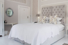Willow-Room-Dunstone-Manor-King-Sized-Bed
